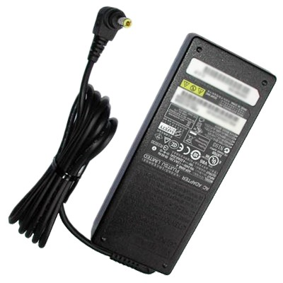 Fujitsu FPCAC69 AC Adapter 100 Watt Netzteil 19V 5.27A